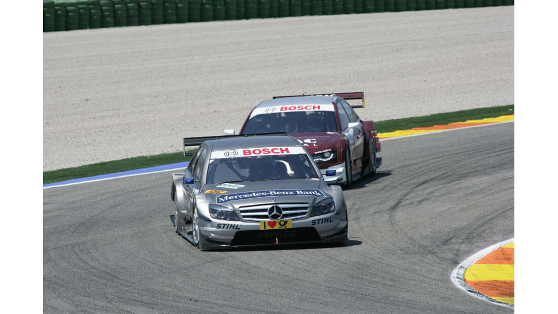 Bruno Spengler auf Mercedes vor Oliver Jarvis auf Audi