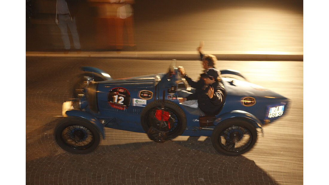 Bruno und Carlo Ferrari im Bugatti Typ 37
