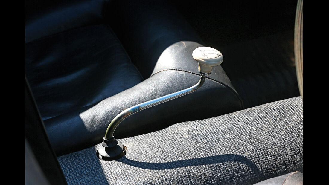 Bugatti 252, Lenkradschalter