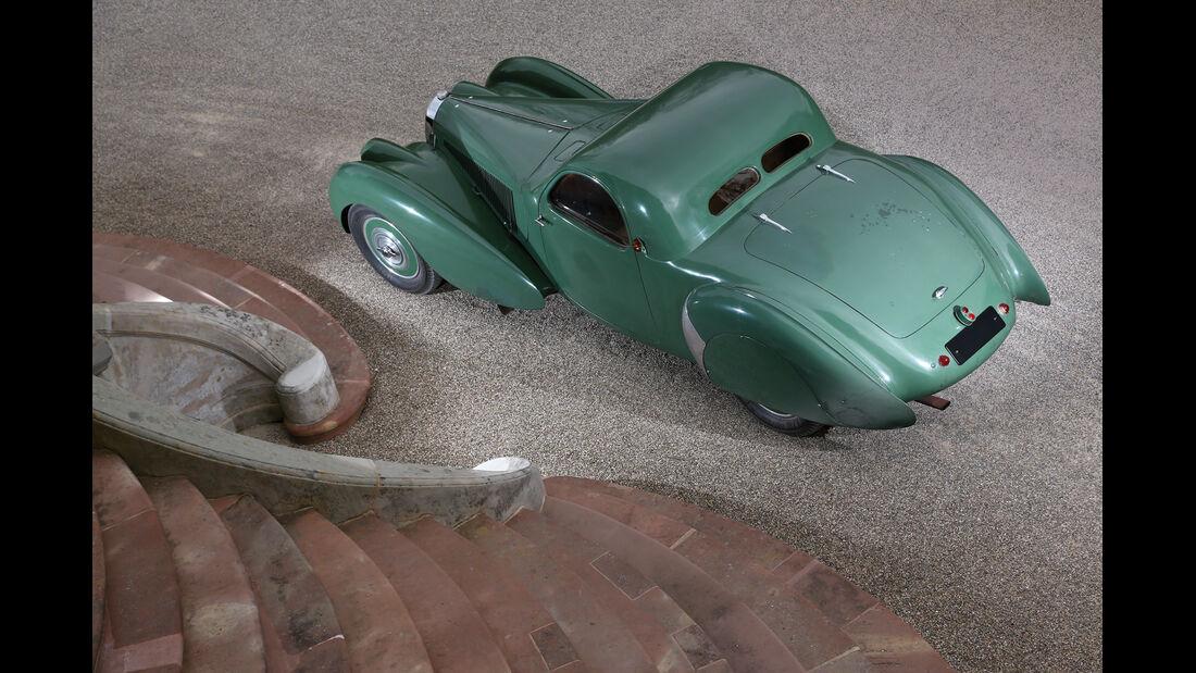 Bugatti 57 C Vanvooren, Draufsicht