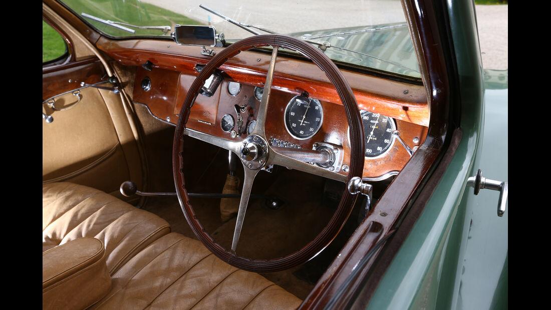 Bugatti 57 C Vanvooren, Lenkrad, Cockpit