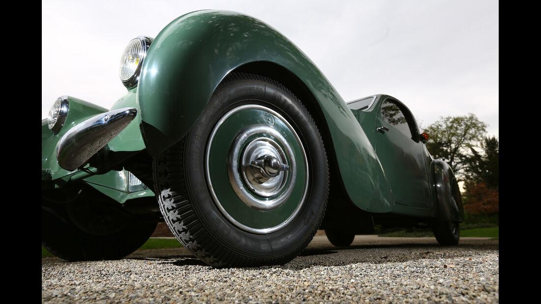 Bugatti 57 C Vanvooren, Radkasten