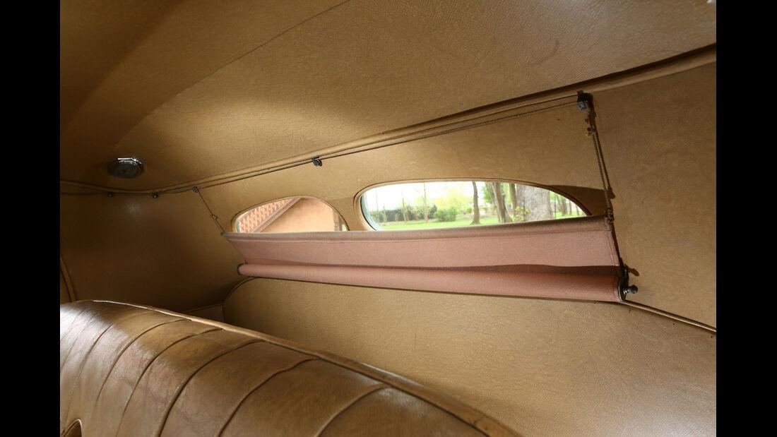 Bugatti 57 C Vanvooren, Rückfenster