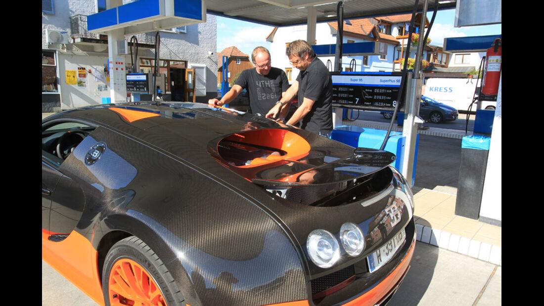 Bugatti Veyron 16.4 Super Sport, Heck, Tankstelle