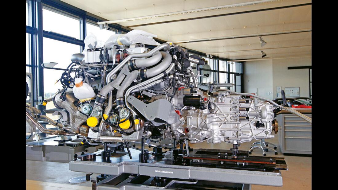 Bugatti Veyron 16.4 Super Sport, Motor, Getriebeblock