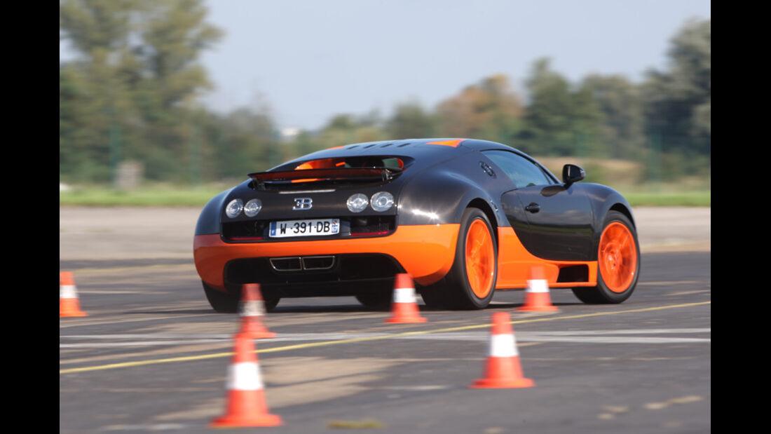 Bugatti Veyron 16.4 Super Sport, Slalom, Heck