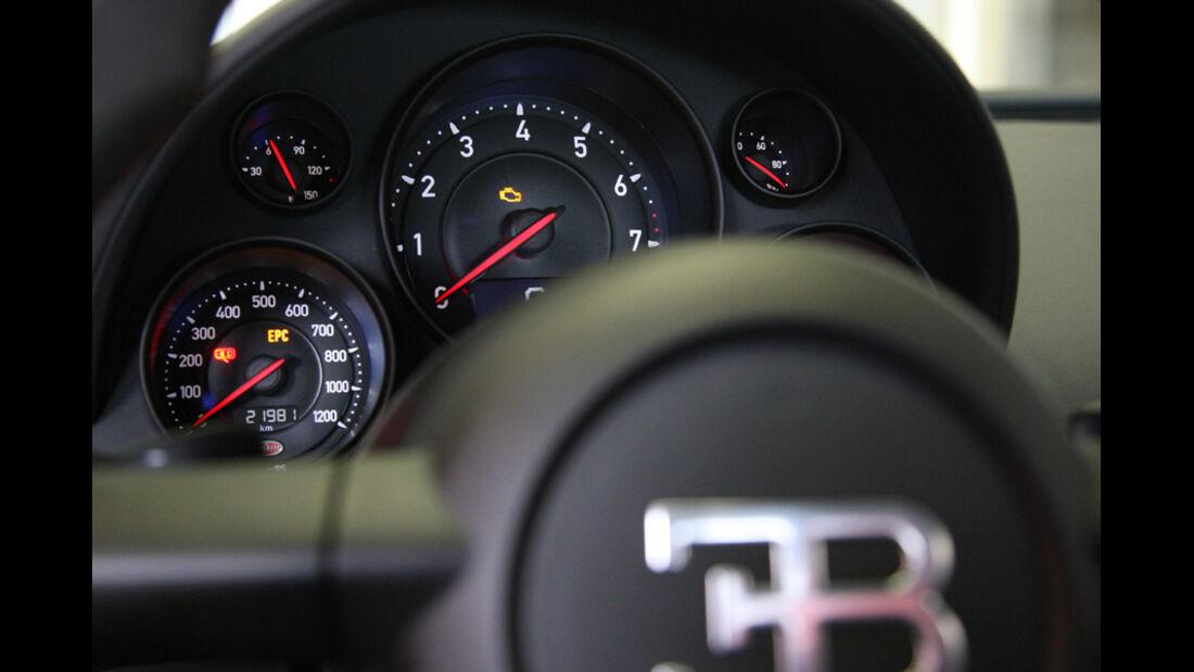 Bugatti Veyron 16.4 Super Sport, Tacho, Rundinstrumente