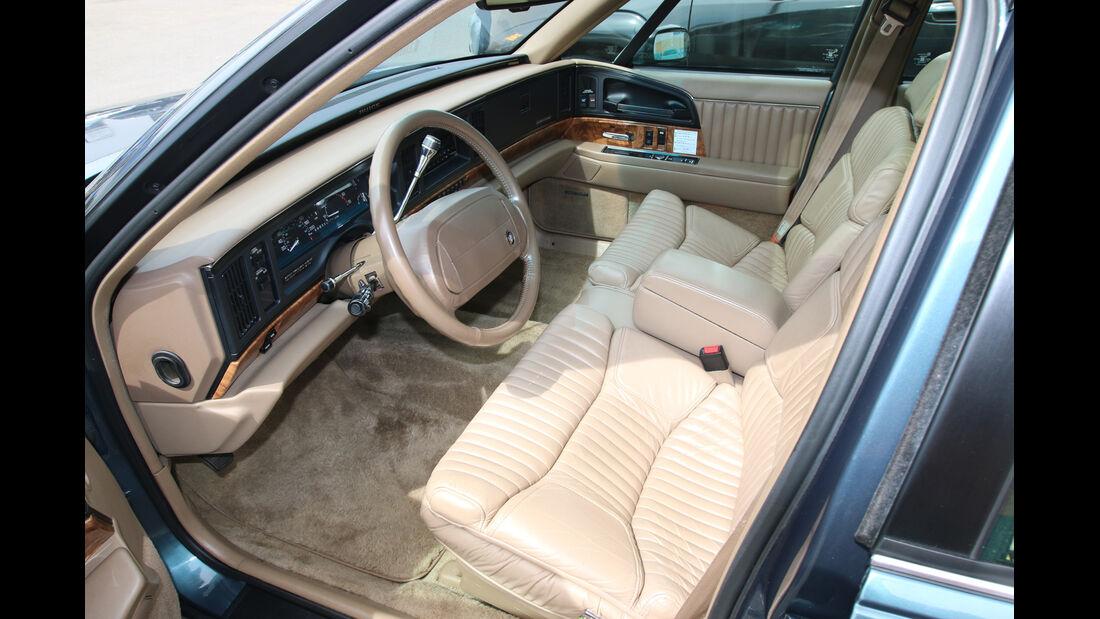 Buick Park Avenue, Cockpit, Sitze