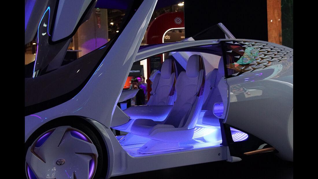 CES 2017, Toyota Concept i