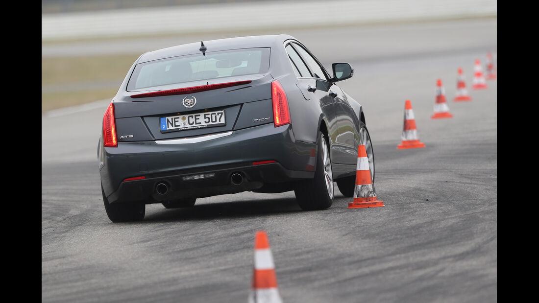 Cadillac ATS 2.0 Turbo, Heckansicht, Slalom