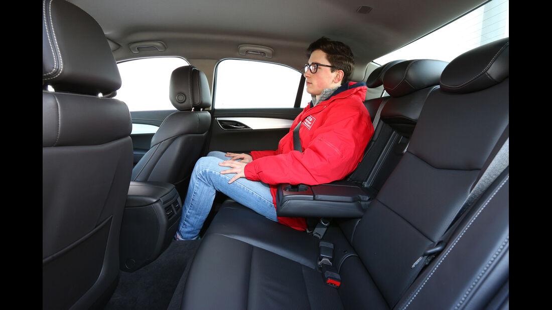 Cadillac ATS 2.0 Turbo, Rücksitz, Beinfreiheit