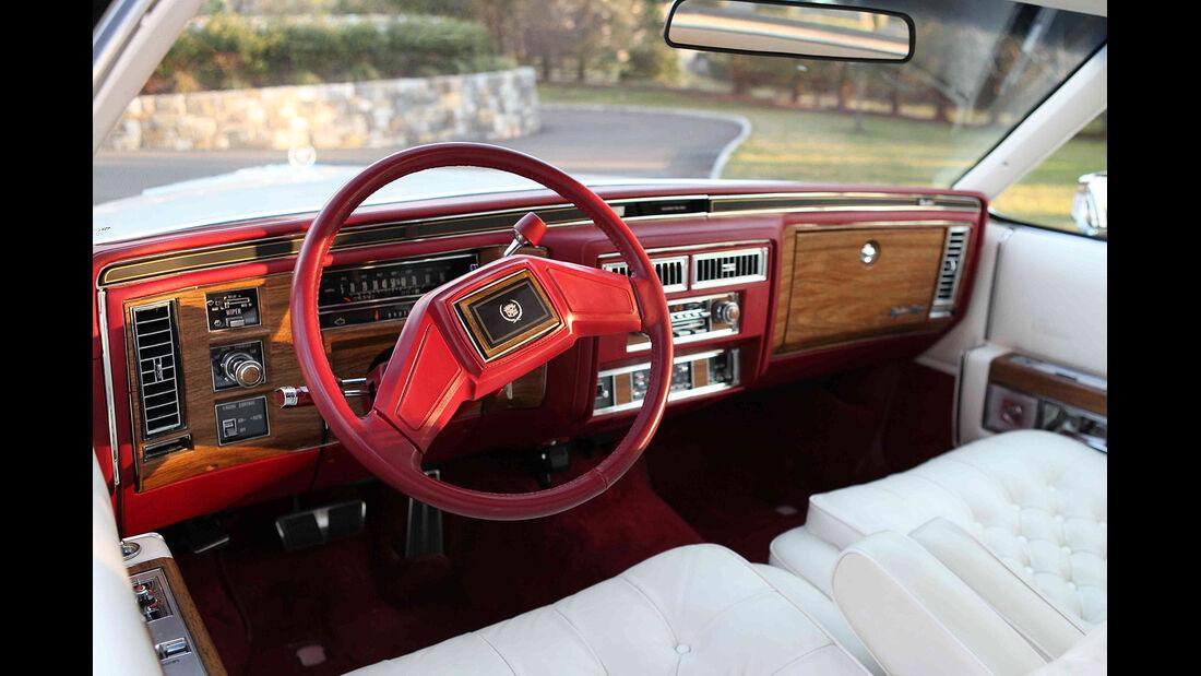 Cadillac Fleetwood Brougham, Seitenansicht
