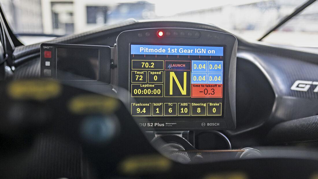 Callaway Corvette C7 GT3-R, Interieur