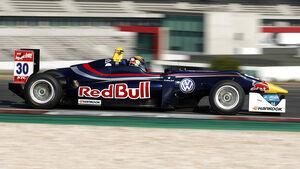 Callum Ilott - Red Bull - Carlin Dallara F312 – Volkswagen - VW - Portimao - 2015