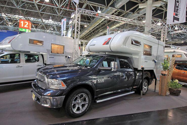 caravan salon 4x4 wohnmobile offroad camper in d sseldorf auto motor und sport. Black Bedroom Furniture Sets. Home Design Ideas