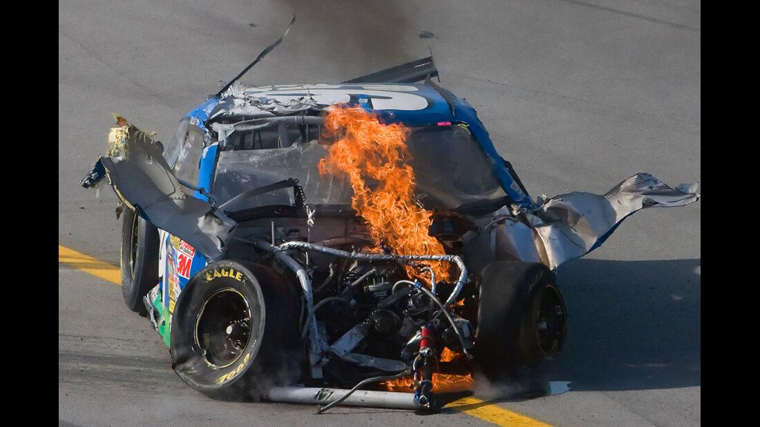 Carl Edwards - Unfall mit Feuer