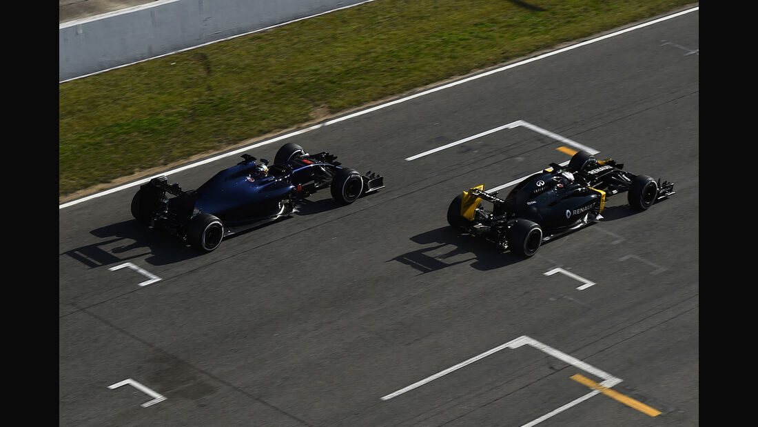 Carlos Sainz & Kevin Magnussen - Formel 1-Test - Barcelona - 24. Februar 2016