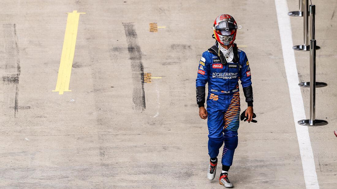 [Imagen: Carlos-Sainz-McLaren-Formel-1-GP-70-Jahr...713278.jpg]