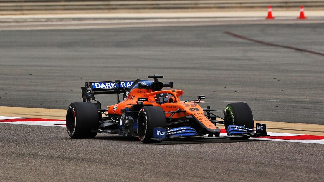 Carlos Sainz - McLaren - Formel 1 - GP Bahrain- Sakhir - Freitag - 27.11.2020