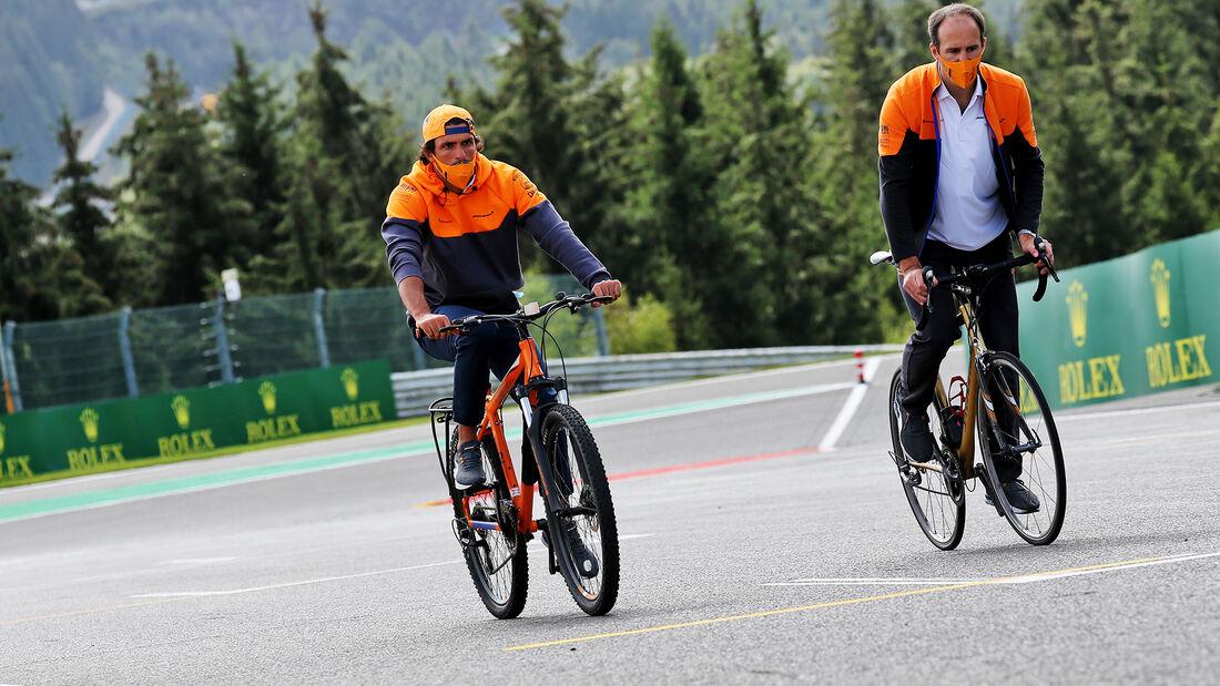 [Imagen: Carlos-Sainz-McLaren-Formel-1-GP-Belgien...718221.jpg]