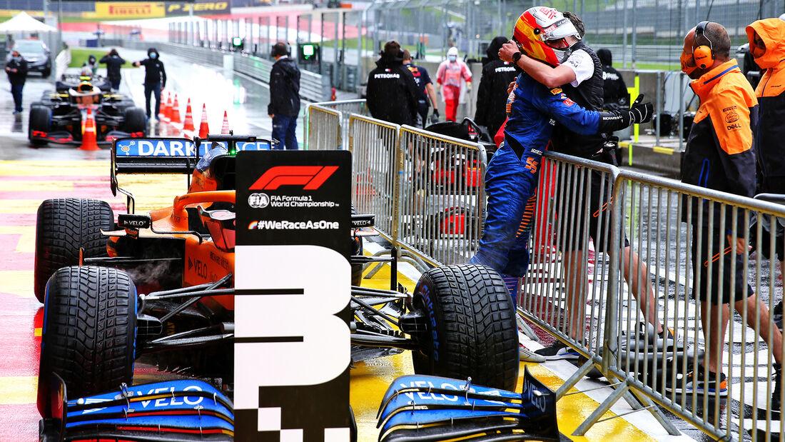 [Imagen: Carlos-Sainz-McLaren-Formel-1-GP-Steierm...705687.jpg]