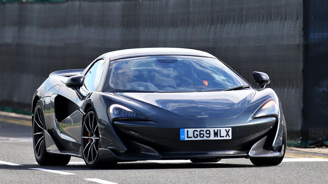 [Imagen: Carlos-Sainz-McLaren-GP-England-Silverst...710814.jpg]
