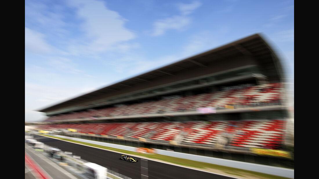Carlos Sainz - Renault - F1-Test - Barcelona - Tag 2 - 27. Februar 2018