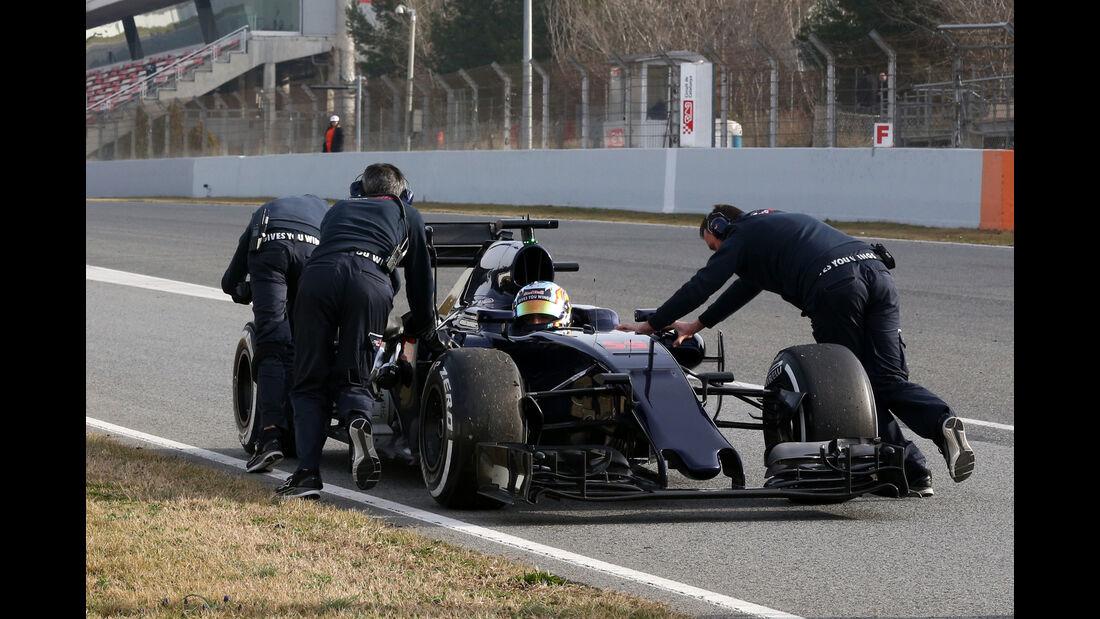 Carlos Sainz - Toro Rosso - Formel 1-Test - Barcelona - 24. Februar 2016