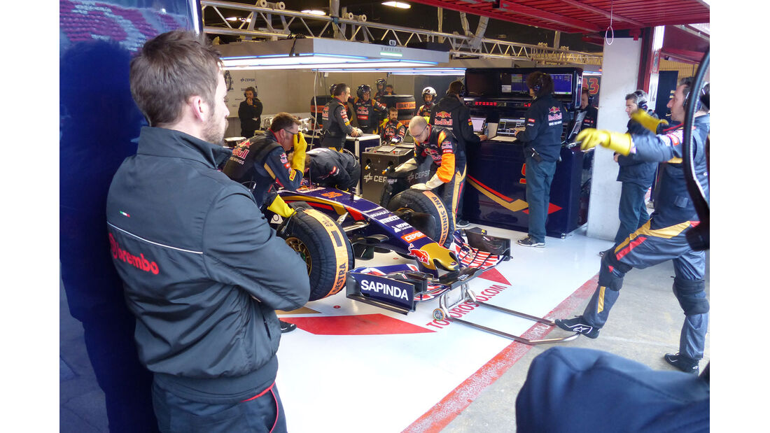 Carlos Sainz - Toro Rosso - Formel 1-Test - Barcelona - 28. Feburar 2015
