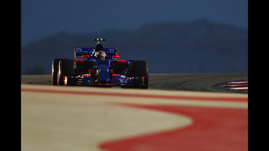 Carlos Sainz - Toro Rosso - GP Bahrain 2017 - Qualifying