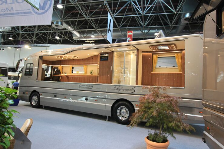 luxus reisemobile auf dem caravan salon 2016 auto motor. Black Bedroom Furniture Sets. Home Design Ideas