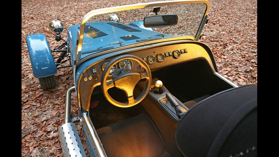Caterham Seven 165, Cockpit