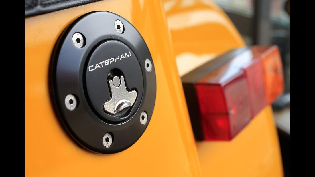 Caterham Seven 355, Benzindeckel