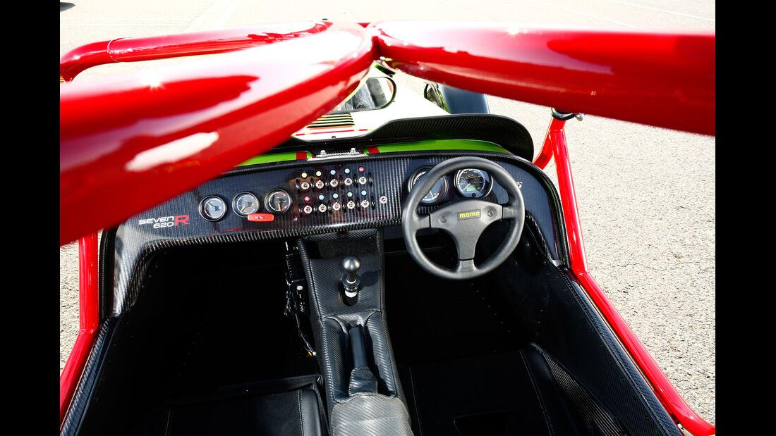 Caterham Seven 620 R, Cockpit