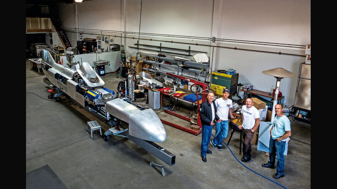 Challenger II, Team
