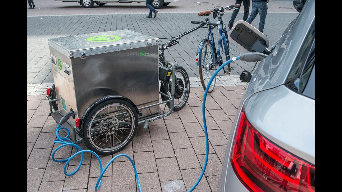 Berliner Start-up Chargery lädt E-Autos mit mobilem Akku