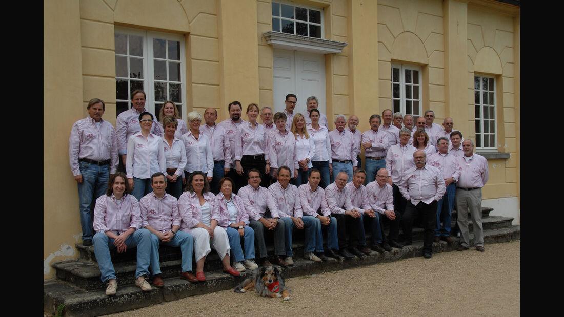 Charity-Club, Freiwillige