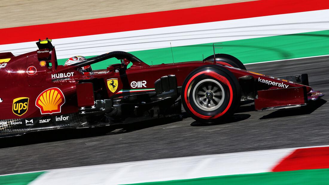 [Imagen: Charles-Leclerc-Ferrari-Formel-1-GP-Tosk...722706.jpg]