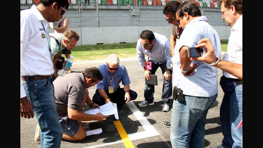 Charlie Whiting - GP Indien - 27.10.2011