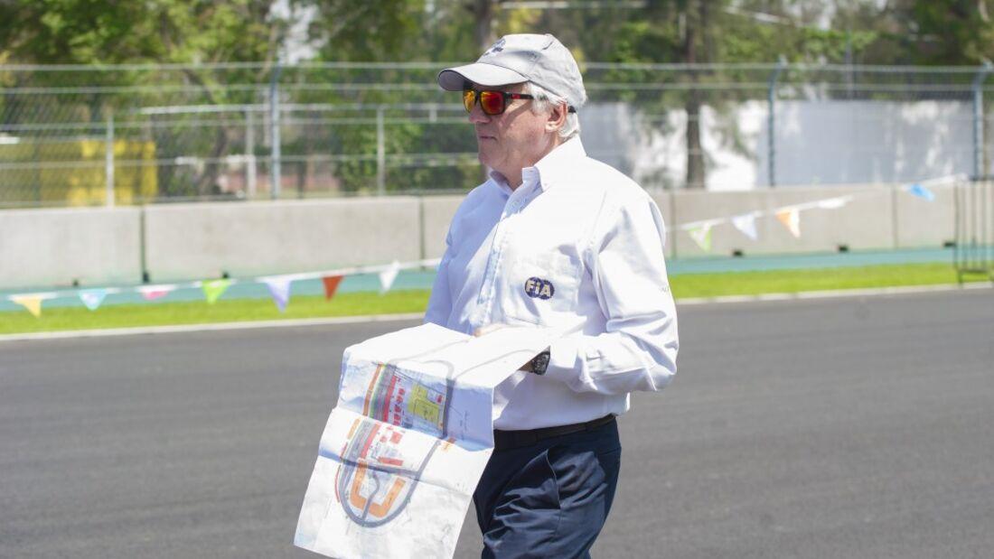 Charlie Whiting - GP Mexiko 2015 - Inspektion