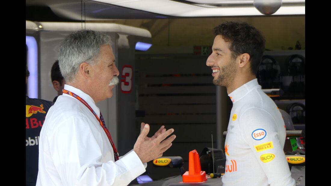Chase Carey & Daniel Ricciardo - Formel 1 - GP Australien - Melbourne - 23. März 2017