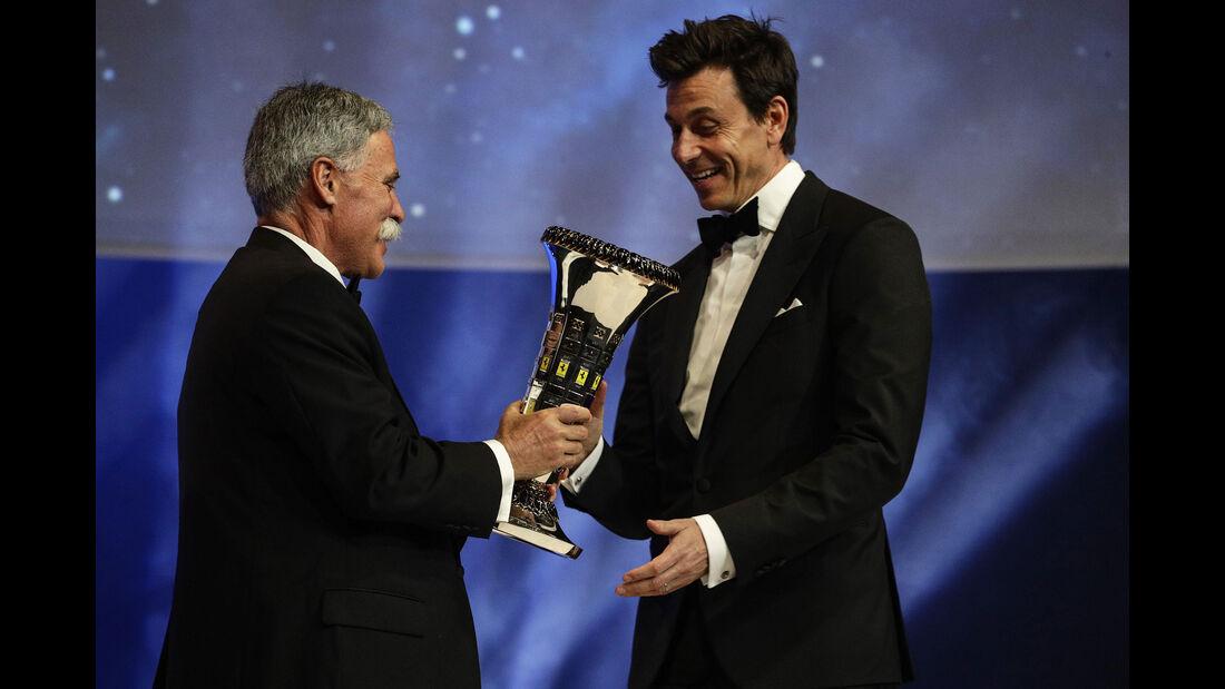 Chase Carey - Toto Wolff - FIA Preisverleihung - Versailles