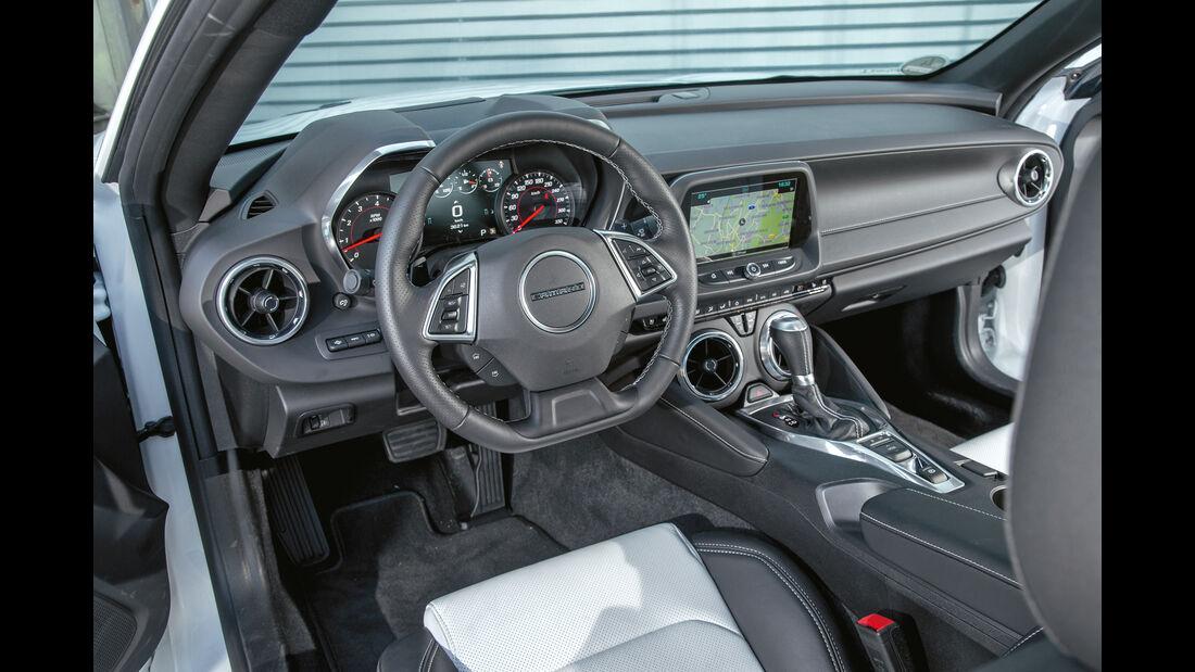 Chevrolet Camaro 6.2V8, Cockpit