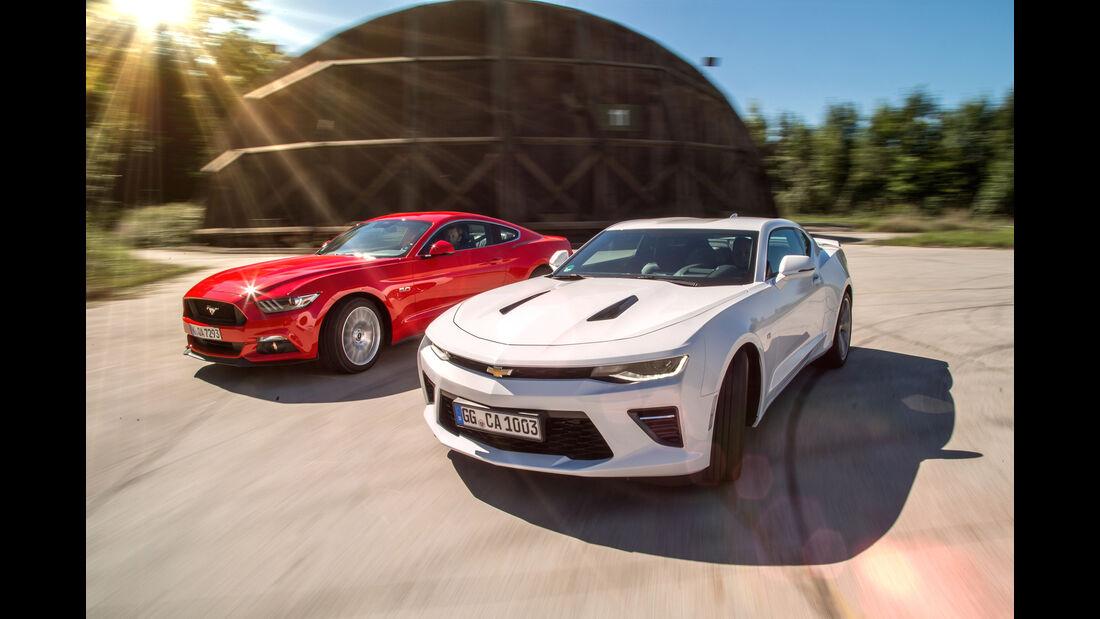 Chevrolet Camaro 6.2V8, Ford Mustang 5.0 V8, Impression