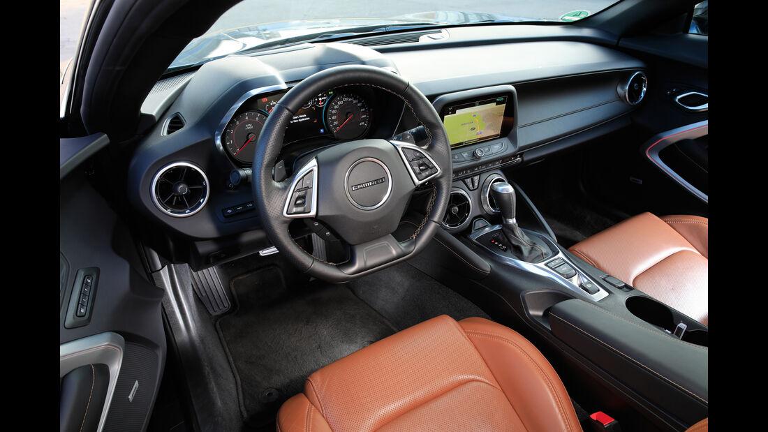 Chevrolet Camaro Coupé 2.0 Turbo, Cockpit