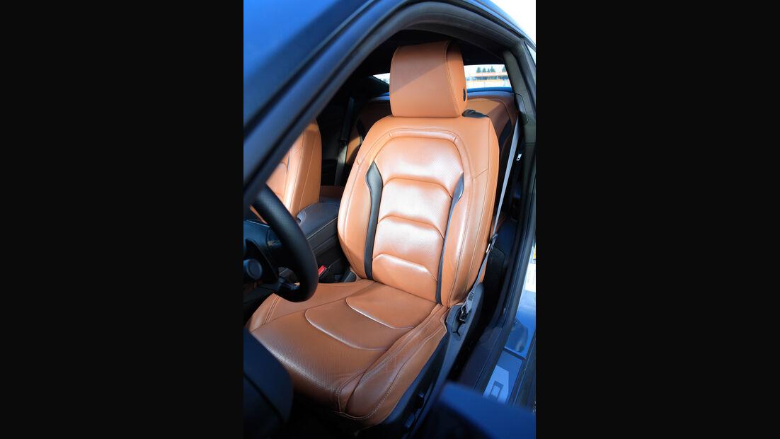Chevrolet Camaro Coupé 2.0 Turbo, Fahrersitz