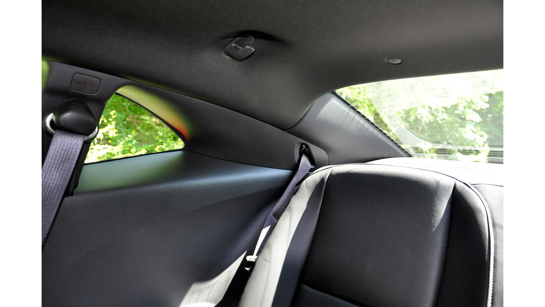Chevrolet Camaro, Innenraum, C-Säule