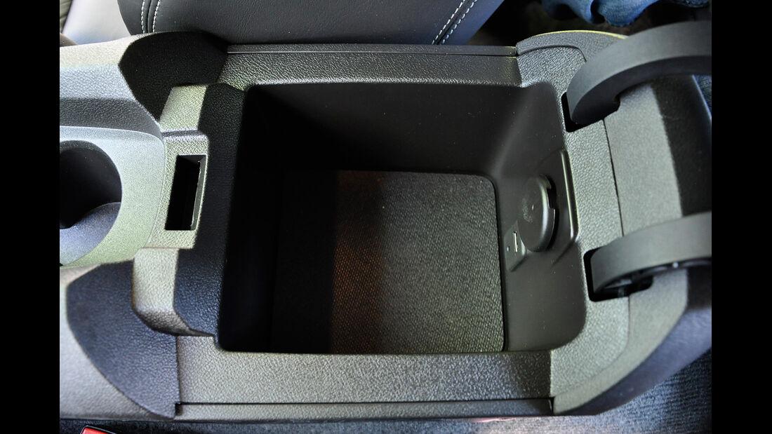 Chevrolet Camaro, Mittelkonsole, Ablagefach