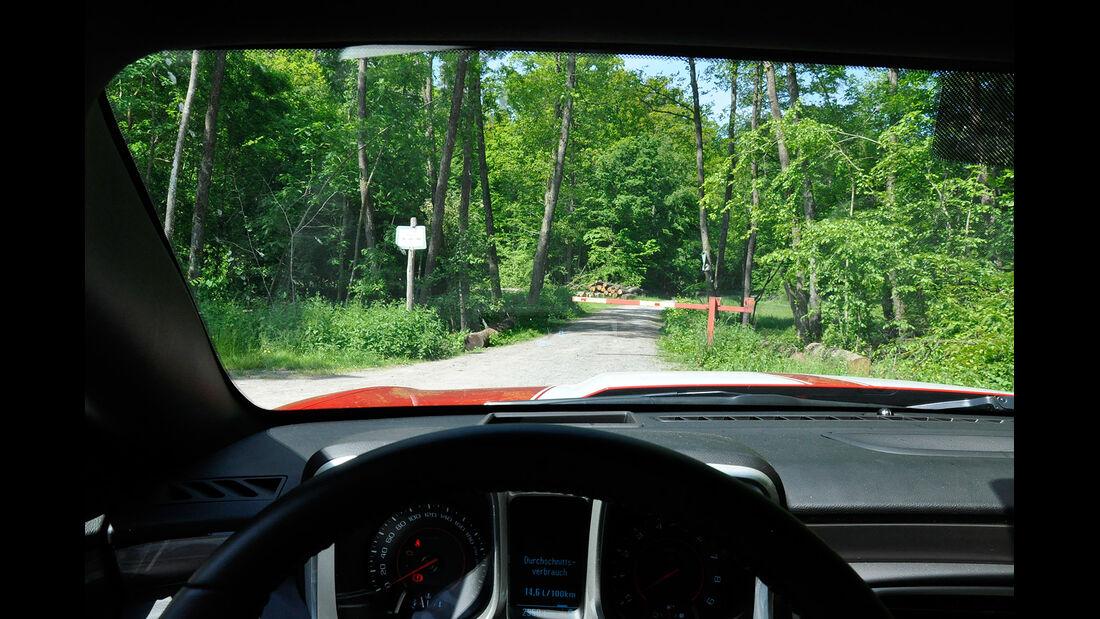 Chevrolet Camaro, Sicht nach vorne