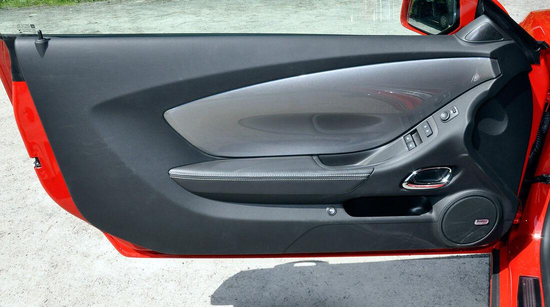 Chevrolet Camaro, Türverkleidung